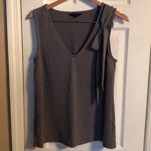 Tank top with bow
